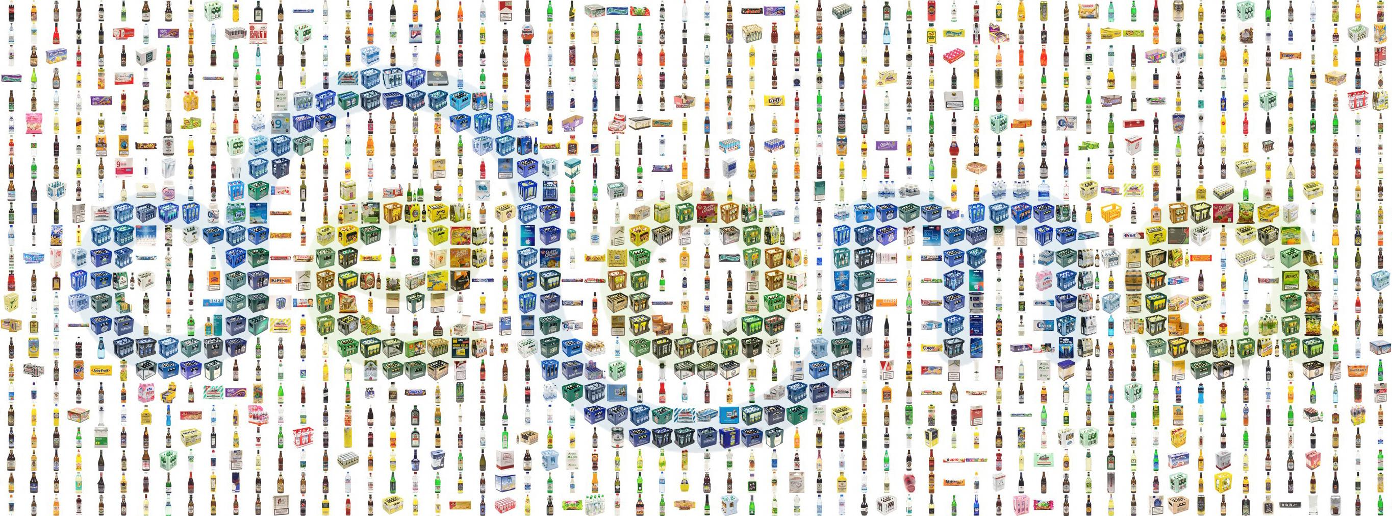 Deloma Schriftzug als Mosaik aus Artikelfotos